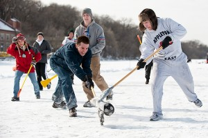 Broom_ball_action09_9438